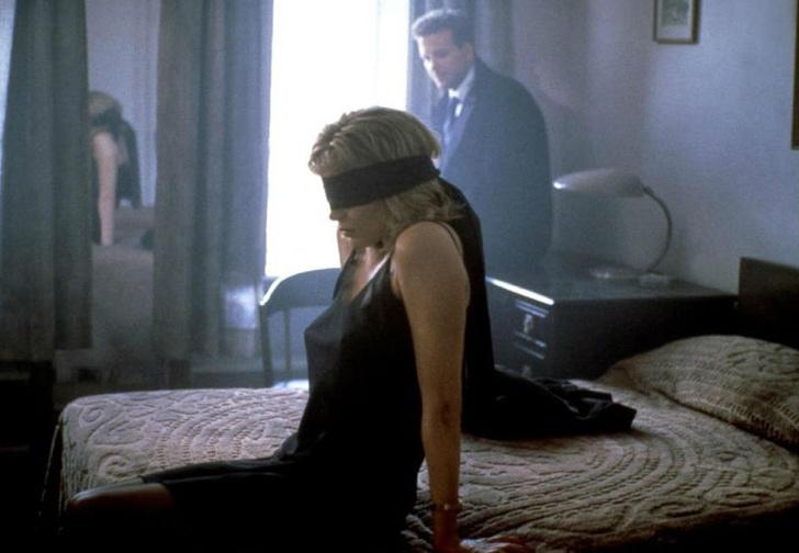 Фото №1 - 13 самых сексуальных сцен из фильмов!
