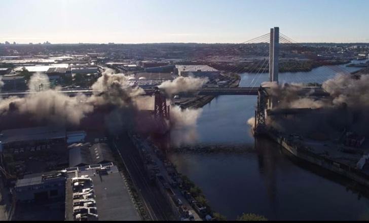 Фото №1 - Подрыв автомобильного моста в Нью-Йорке! Оглушительно-сокрушительное ВИДЕО!