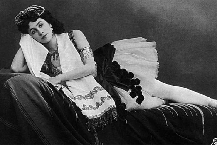 Фото №2 - 5 любовниц, которые изменили ход истории