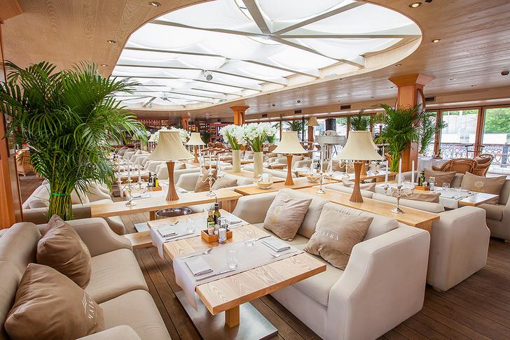 Это ресторан! Это яхта! Это «Чайка»!