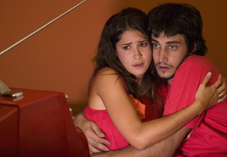 Фото №1 - 5 советов, как смотреть со своей девушкой порно и не выглядеть в ее глазах извращенцем
