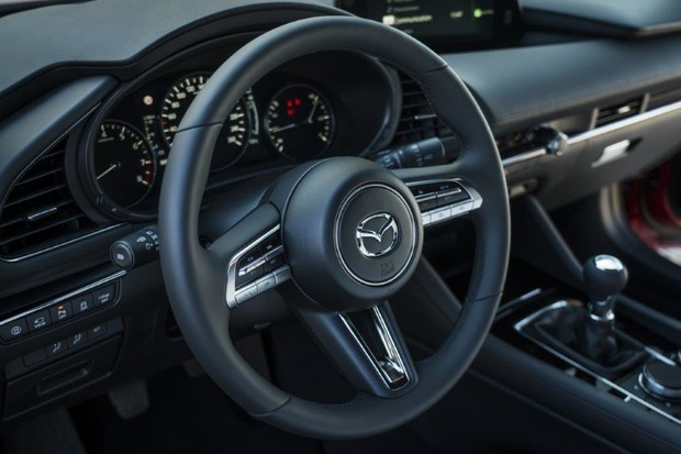 Фото №3 - Новую Mazda 3 уже можно купить в России