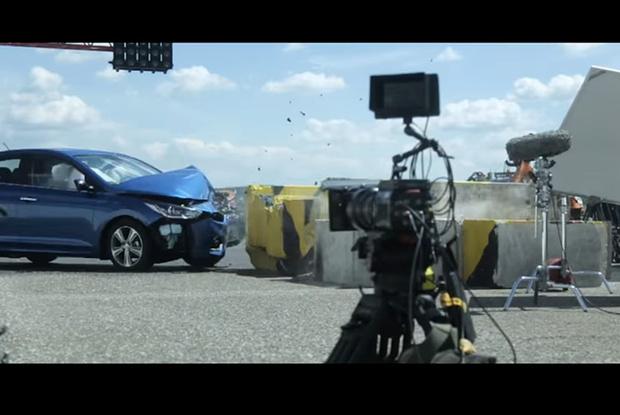 Фото №2 - Краш-тест: в новый Hyundai Solaris вместо манекена сел живой человек!