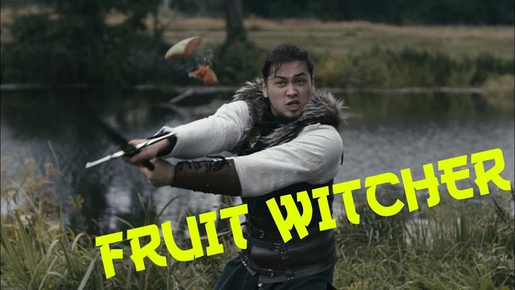 Фото №1 - Средневековый воин элегантно рубит фрукты (ВИДЕО)