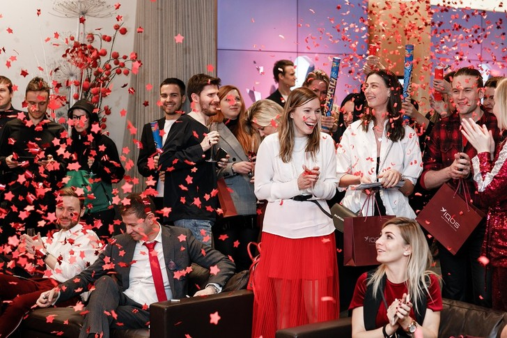 Фото №2 - Рубиновый сезон: IQOS представляет новую серию IQOS RUBY