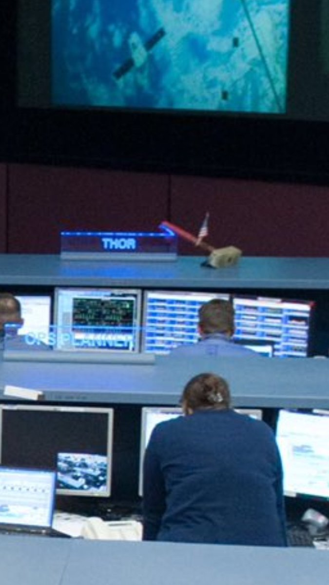 Фото №2 - NASA и Роскосмос пообещали спасти Тони Старка