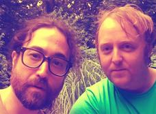 Сыновья Леннона и МакКартни сфоткались вместе и это похоже на The Beatles