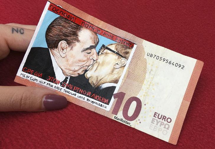 Фото №1 - 16 картин на деньгах от испанской художницы