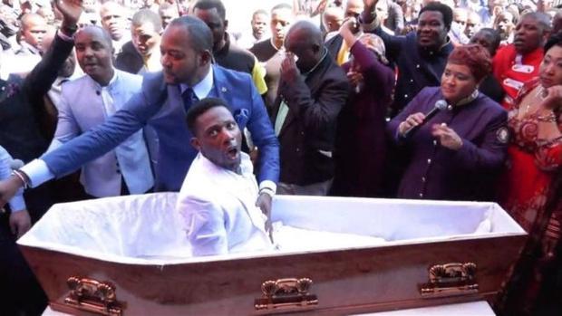 Фото №1 - Пастора из ЮАР собираются судить за фейковое воскрешение из мертвых