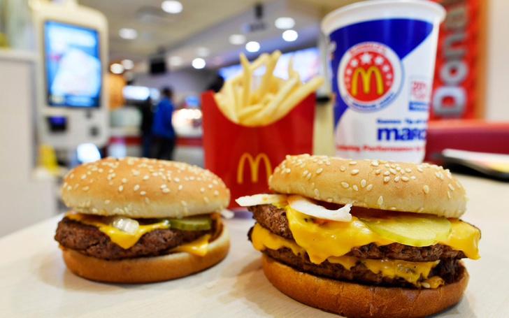 Фото №1 - Владелец футбольного клуба угощал игроков в McDonald's в честь победы
