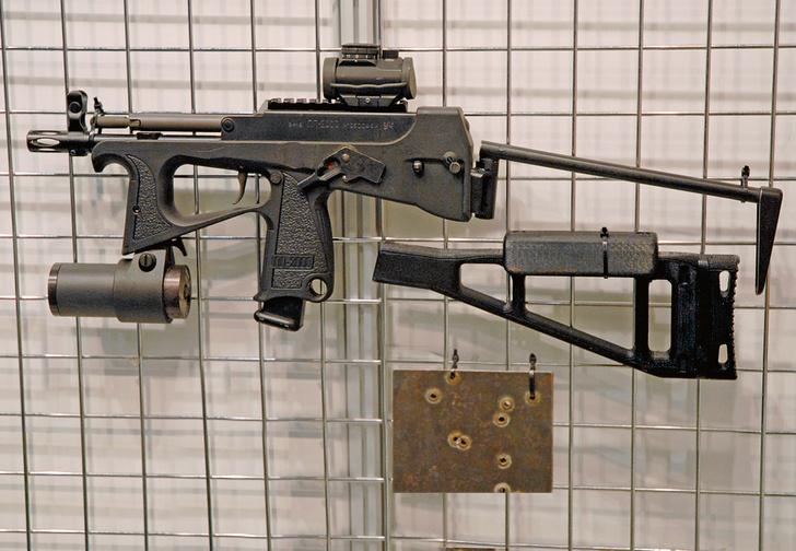 Фото №1 - Как устроен пистолет-пулемет ПП-2000