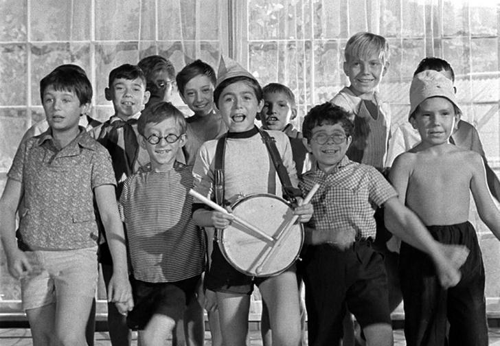 Фото №1 - Детский лагерь «Миллениальчик-с-пальчик» приглашает детей иочень низких взрослых!
