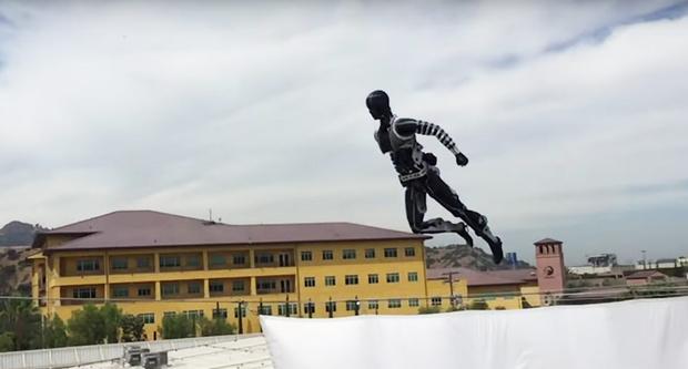 Фото №1 - Компания Disney представила роботов-каскадеров (ВИДЕО)