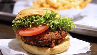 Появился робот для готовки бургеров (аппетитное ВИДЕО)