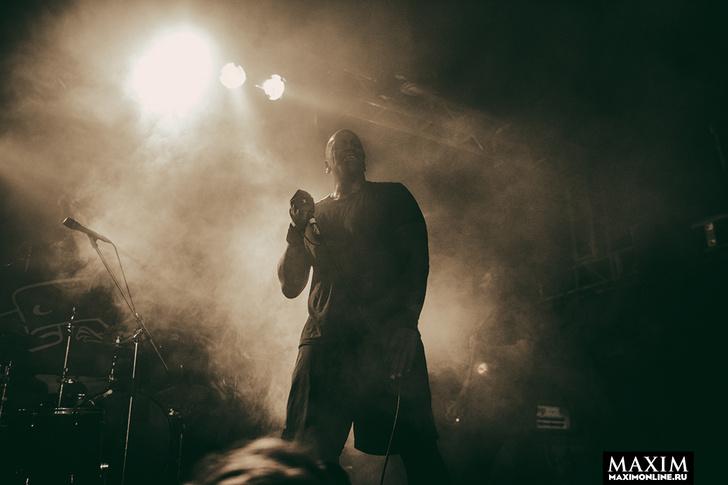 Фото №1 - Беспредел риска. Неожиданно зловещий концерт металистов всколыхнул московский клуб