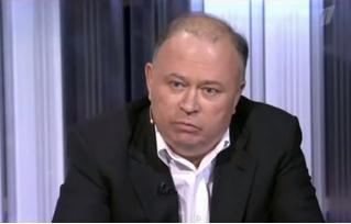 Известный тележурналист Андрей Караулов рассказал, как подарил свою книгу вымышленному министру