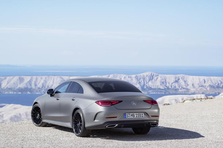 Фото №11 - Новый Mercedes CLS придется полюбить или возненавидеть