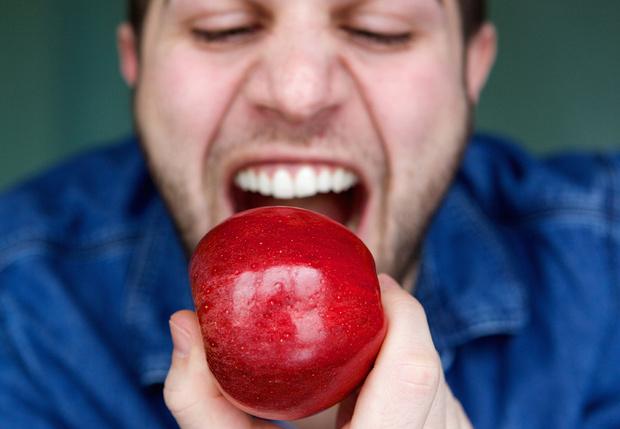 Фото №1 - Как различные диеты отражаются на зубах — мнение стоматолога