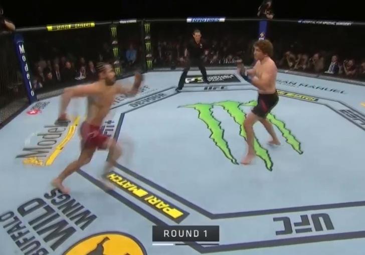 Фото №1 - Самый быстрый нокаут: в UFC установлен новый рекорд (видео)