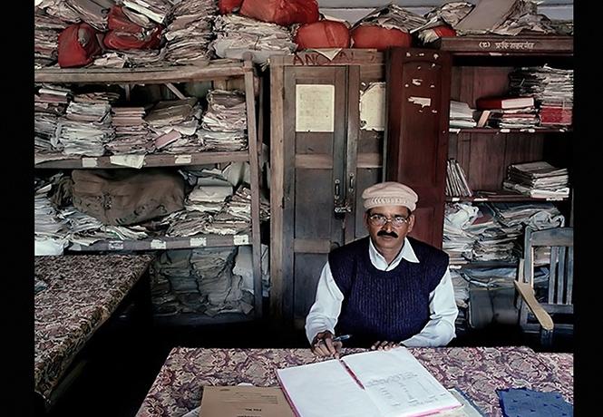 Фото №1 - Как выглядят кабинеты чиновников и служащих в разных странах