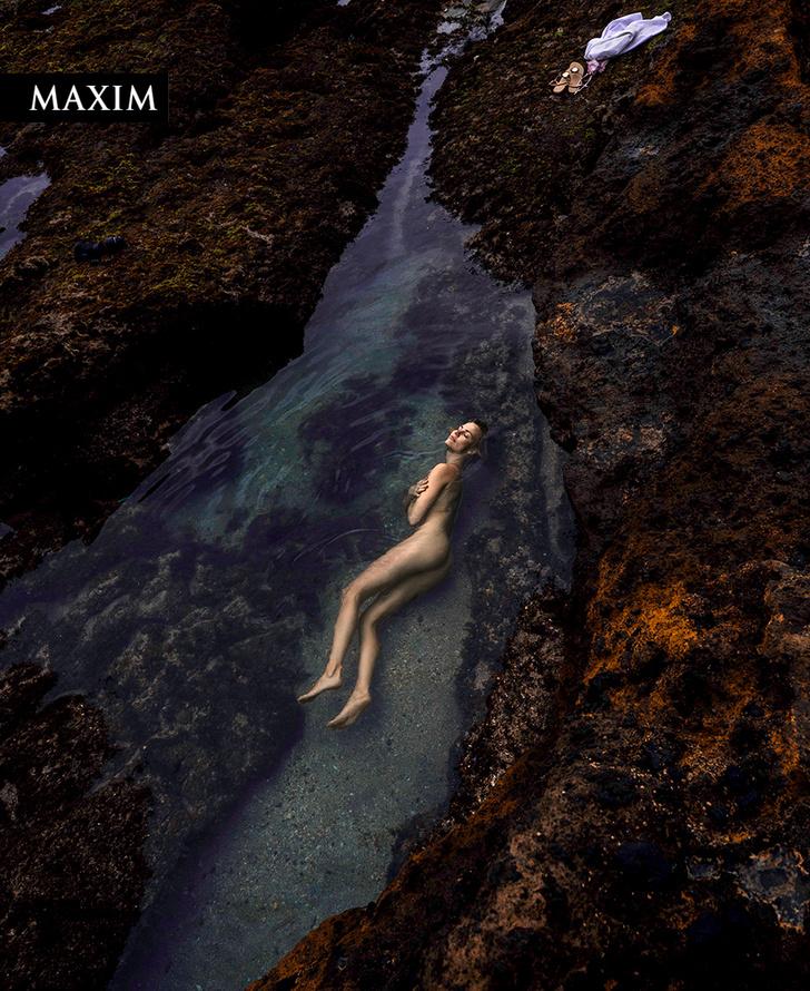 Фото №2 - Как на вулкане! Актриса Елена Чернявская в фотосессии MAXIM