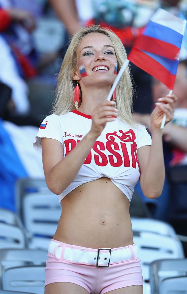 Фото №12 - Самые прекрасные русские болельщицы во Франции