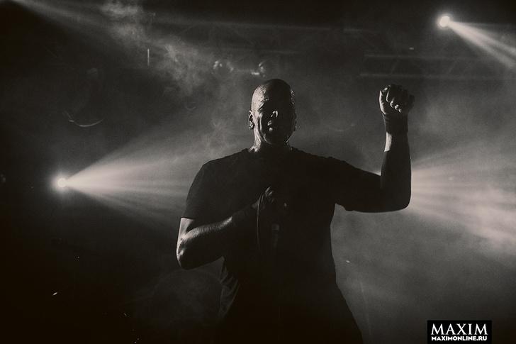 Фото №2 - Беспредел риска. Неожиданно зловещий концерт металистов всколыхнул московский клуб