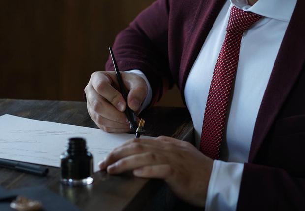 Фото №1 - Студент из Красноярска зарабатывает миллионы (ну, пока только два), продавая красивые подписи для бизнесменов (фото)