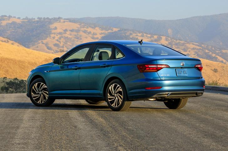 Фото №6 - Новый Volkswagen Jetta: жди в России через год