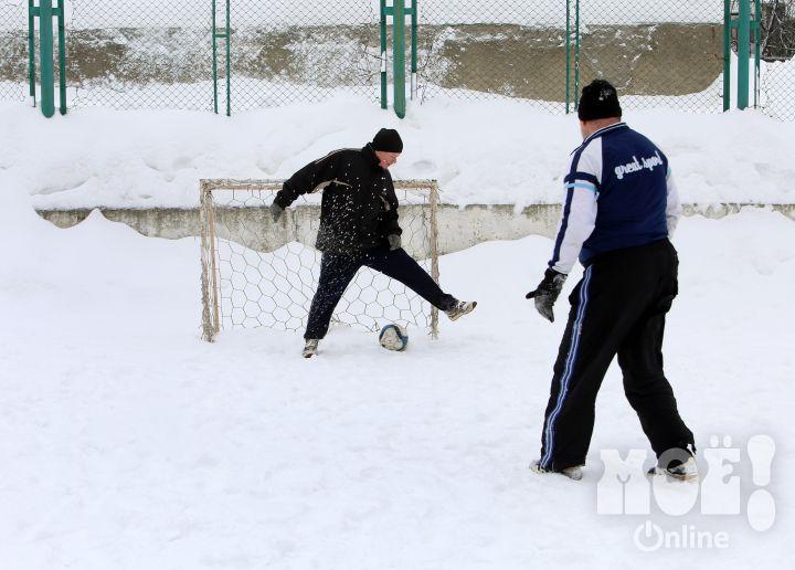 Фото №3 - Россиянин запатентовал футбол, в который можно играть вдвоем (фото и правила прилагаем)