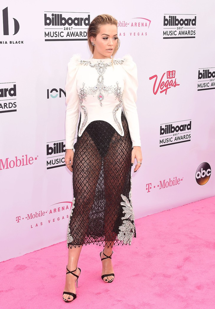 Фото №4 - Вагино-платья, «голые» платья и другие смелые наряды звезд на церемонии Billboard Awards
