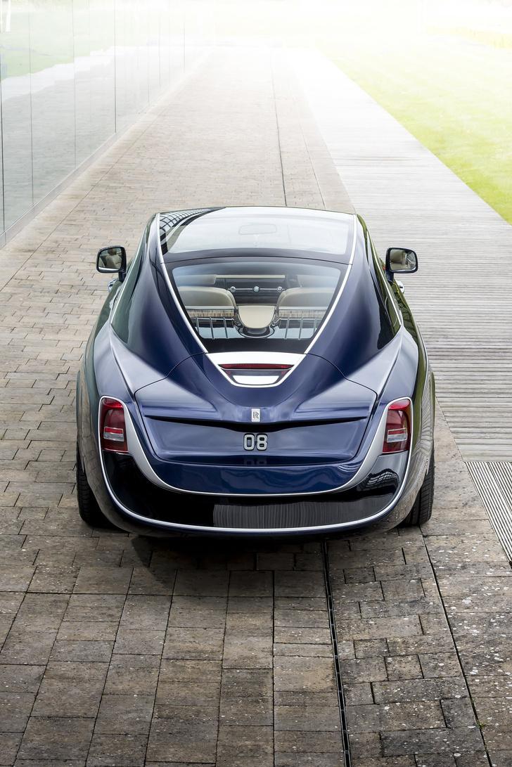 Фото №3 - Самый дорогой в мире Rolls-Royce построили для таинственного коллекционера