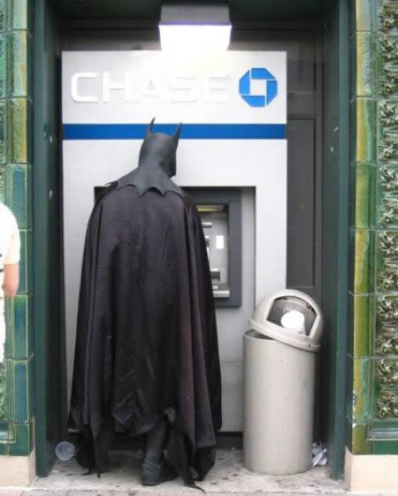 Фото №1 - Натюрморт с банкоматом