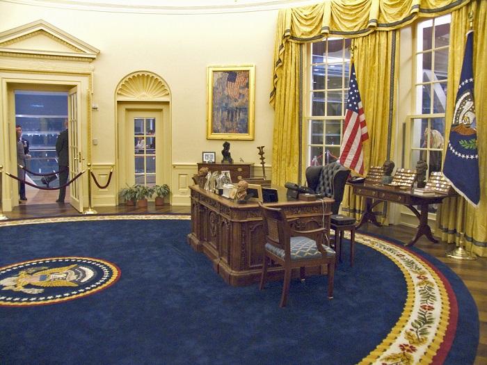 Фото №2 - 5 фактов об Овальном кабинете