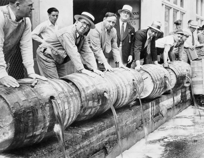Жутчайшие фотографии уничтожения алкоголя!