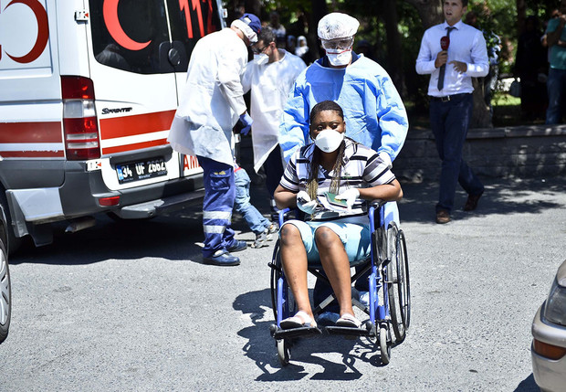 Фото №2 - Вот зараза! Самые опасные для путешественников страны и чем там можно заразиться