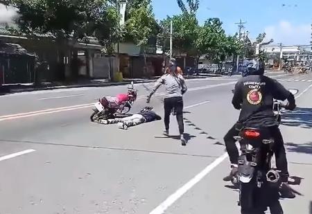 Парень инсценировал свою смерть в ДТП, чтобы сделать предложение девушке (видео)