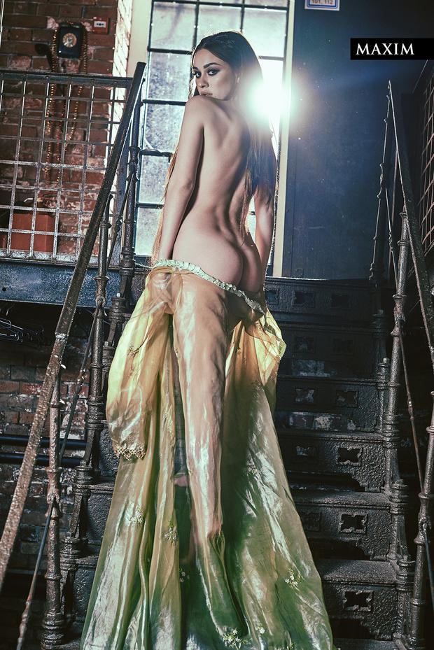 Фото №5 - Вива ля Франц! Актриса Юлия Франц из фильма «Гоголь. Вий» в магической фотосессии MAXIM