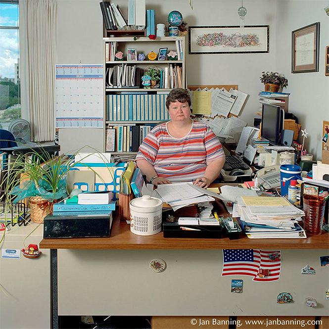 Фото №24 - Как выглядят кабинеты чиновников и служащих в разных странах