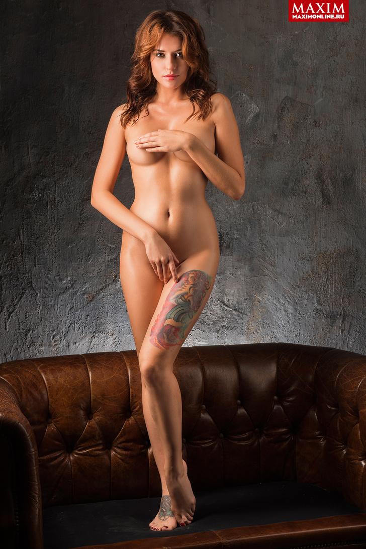 Фото №1 - Модель Кристина Нуар: «Заграничные заказчики предвзято относятся к татуировкам — недавно Милан отказал из-за тату»
