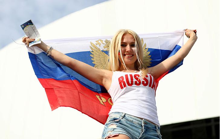 Фото №10 - Самые прекрасные русские болельщицы во Франции
