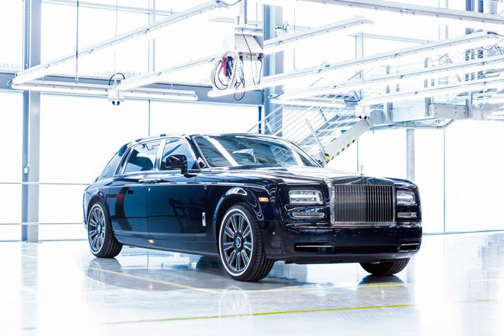 Фото №1 - Из ворот завода в Гудвуде выехал последний Rolls-Royce Phantom VII