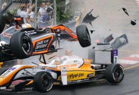 Жёсткая авария на Гран-при «Формулы-3» в Макао (видео)