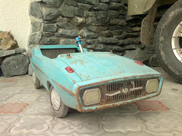 Фото №4 - Умелец из Нальчика реставрирует советские педальные машинки