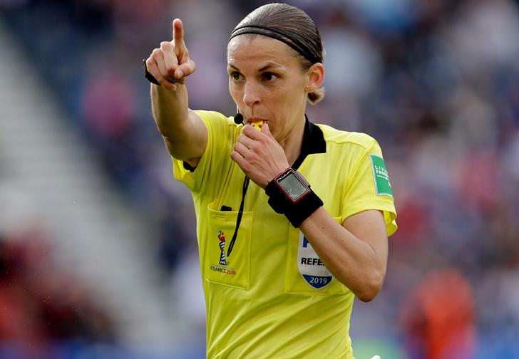 Фото №1 - На Суперкубке УЕФА впервые судьей будет женщина