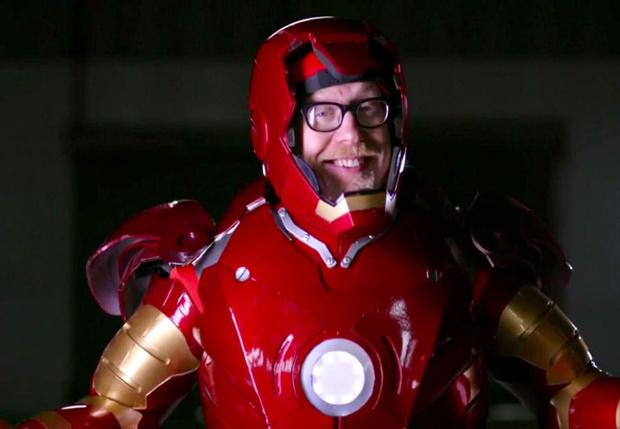 Фото №1 - Адам Сэвидж из «Разрушителей легенд» собрал костюм Железного человека, и он правда летает (видео)