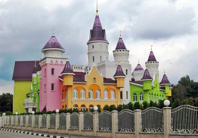 Фото №2 - Иностранцы с изумлением разглядывают русский детский сад