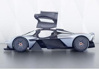 В клубе тысячесильных пополнение: Aston Martin Valkyrie