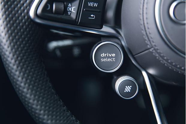 Фото №12 - Главный суперкар Баварии обновили. Мы об Audi R8, если что